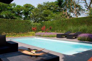 De voordelen van een polyester zwembad